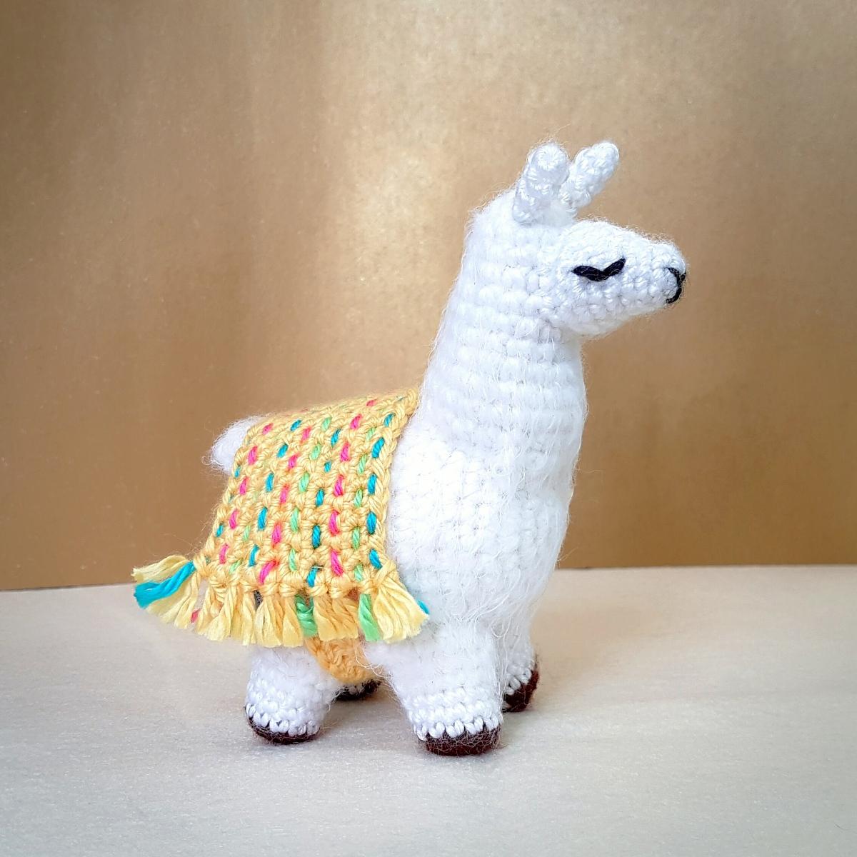A New Amigurumi Llama Pattern | móhu | 1200x1200